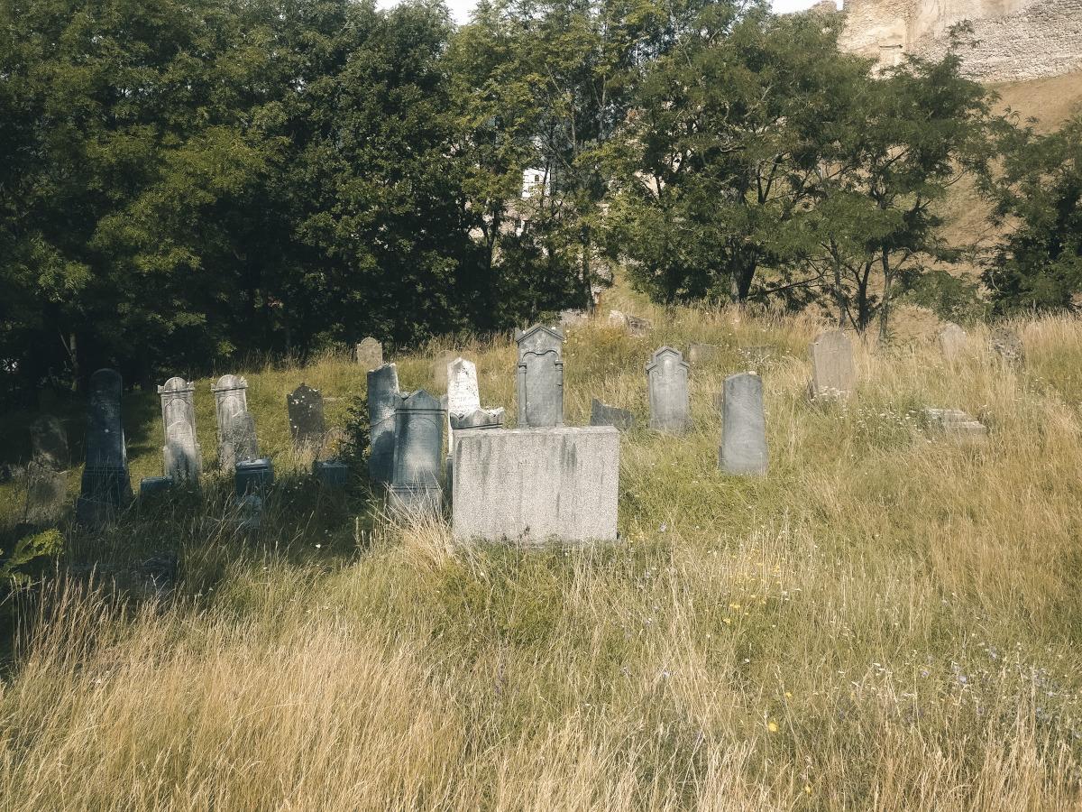 Small graveyard at Beckov Castle