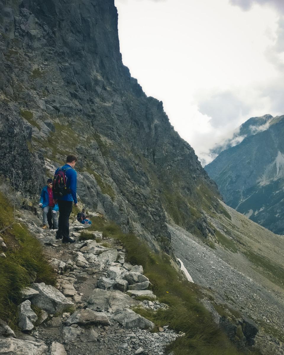 Narrow path on the Rysy