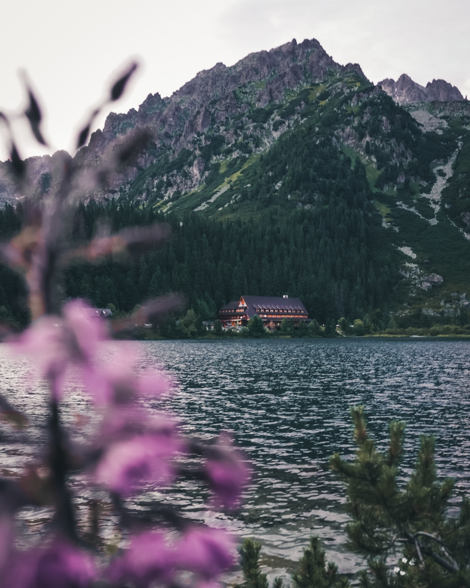 House by the lake in the High Tatras