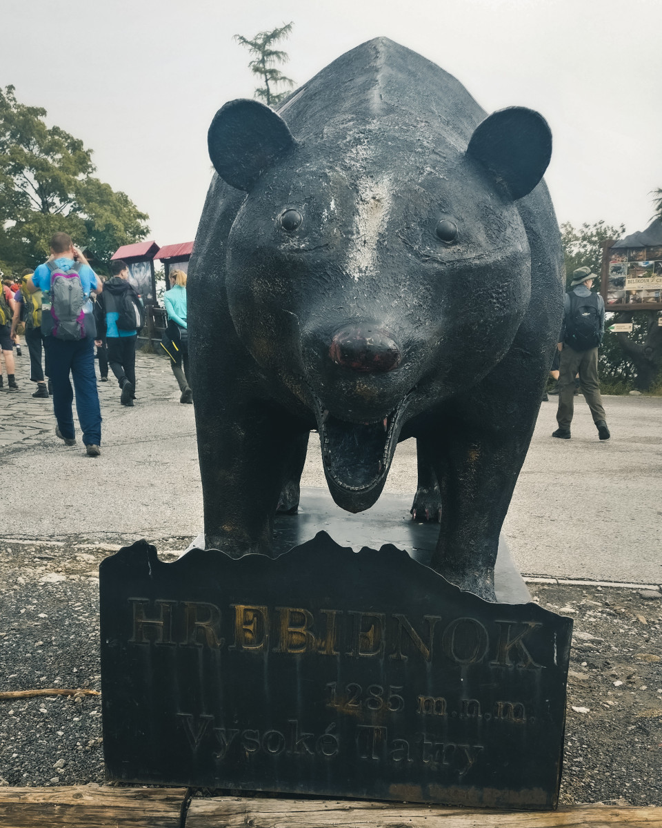 Statue of a bear in the High Tatras
