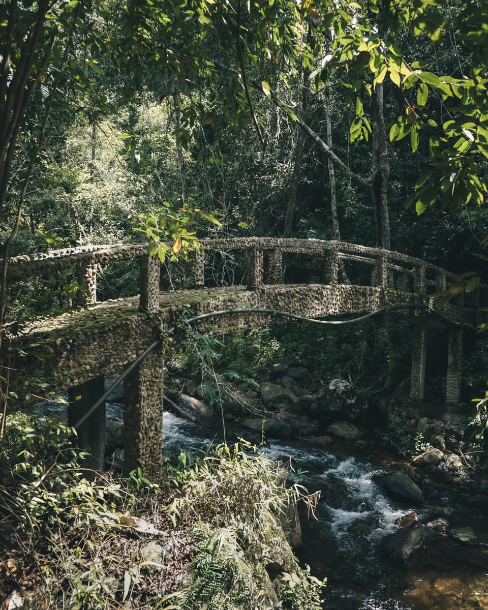 Bridge at Than Mayom waterfall