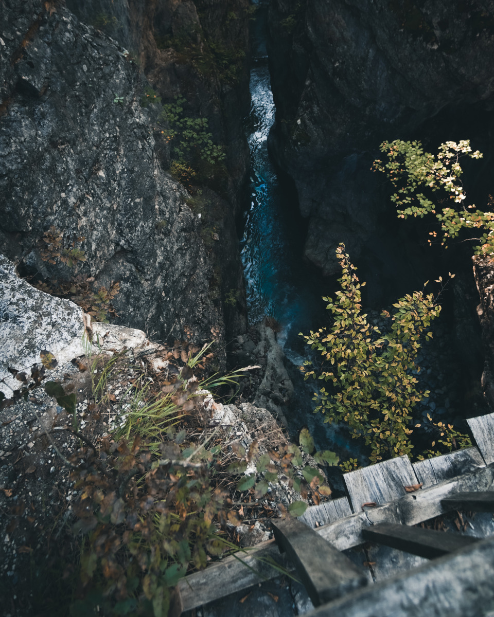 View down into the Grunas Gorge