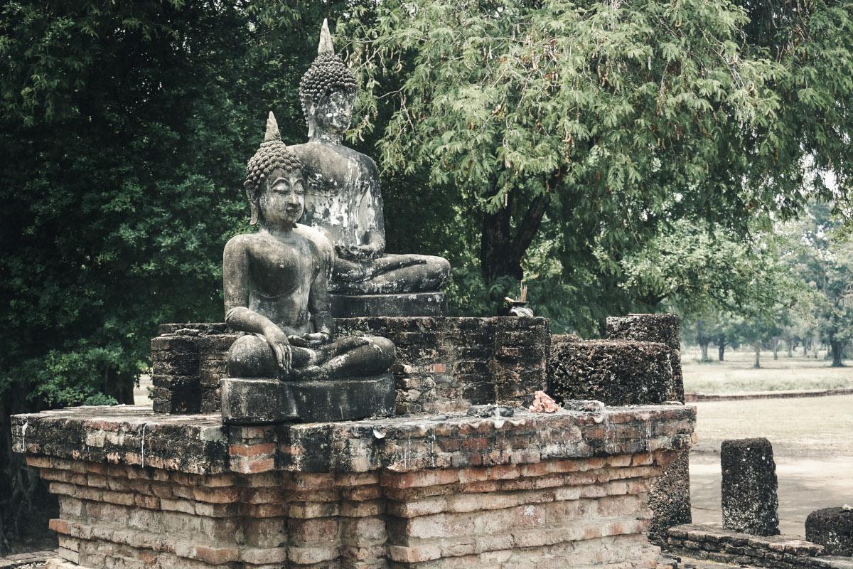 Statue of two buddha