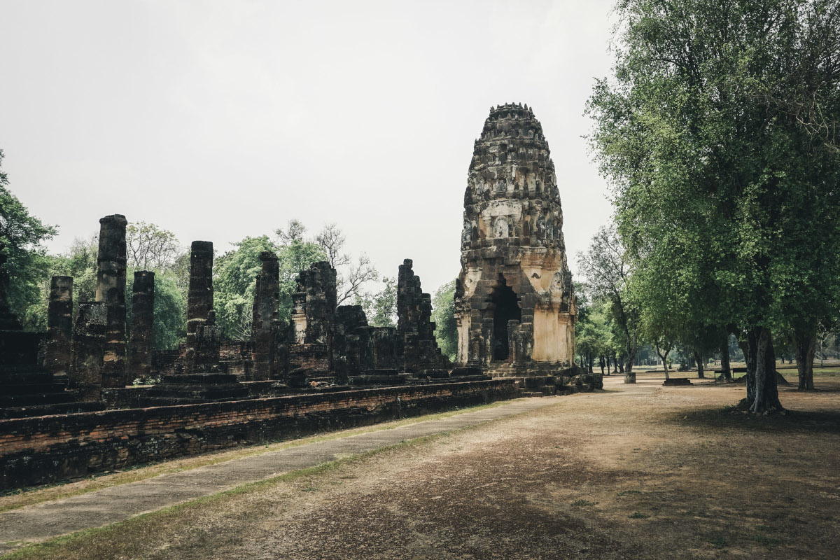 The tower of Wat Phra Phai Luang