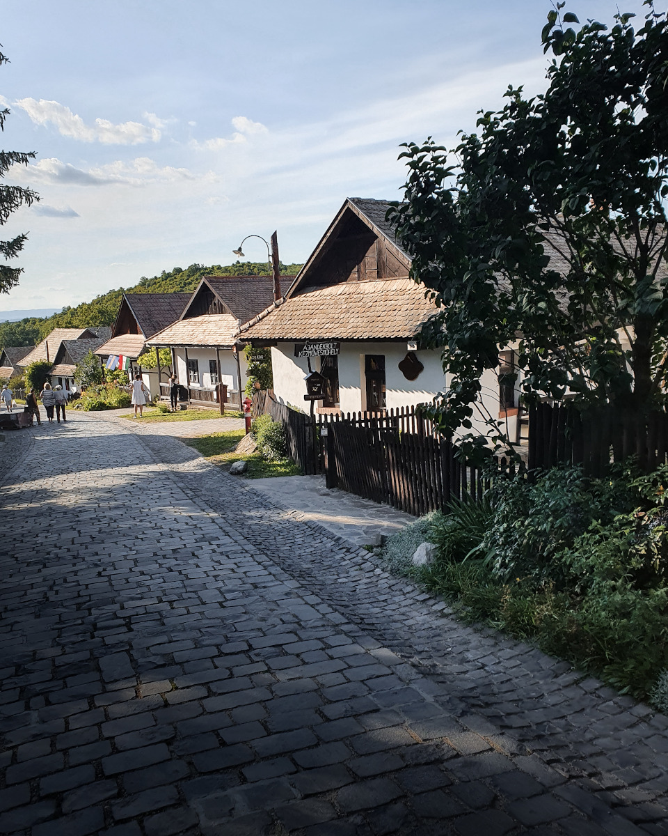 Craft houses along the street
